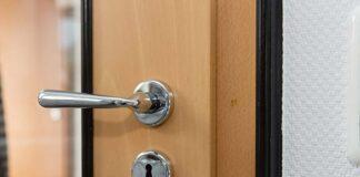 Drzwi akustyczne Mikea